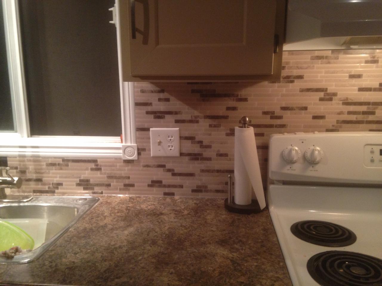 Tile backsplash without grout